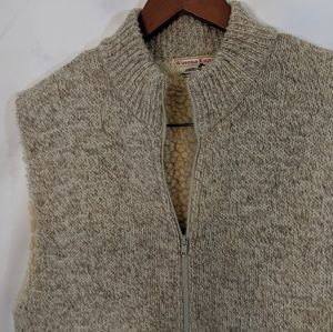 Vintage Jackets & Coats - Vintage Winona Knits Sherpa lined zip up vest